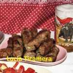 Mici Lucia 150x150 - Mici de casa, reteta traditionala de mititei pufosi, pasta de mici