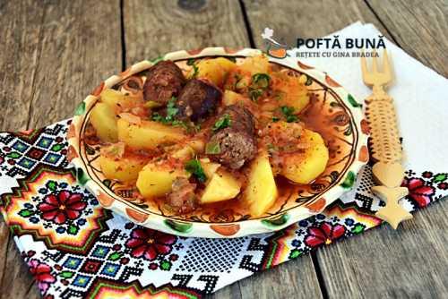 Tocana iahnie de cartofi cu carnati reteta traditionala 500x334 - Cartofi cu ton si masline la cuptor