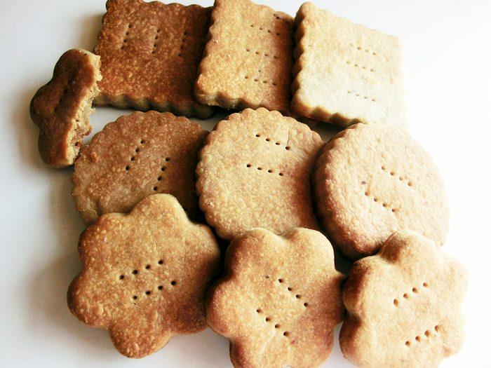 pofta-buna-gina-bradea-biscuiti-integrali-fara-zahar-cu-lapte-de-cocos-pentru- (5)
