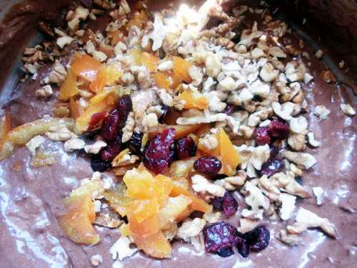 Negresa cu fructe si nuci