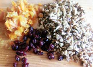 pofta-buna-gina-bradea-negresa-pufoasa-mozaic-fructe-si-nuci.jpg