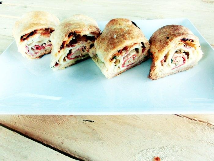 pofta buna gina bradea strudel rapid pizza cu foietaj.jpg 3 - Index retete culinare (categorii)