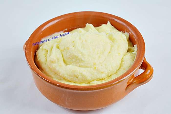 Piure de cartofi cu legume