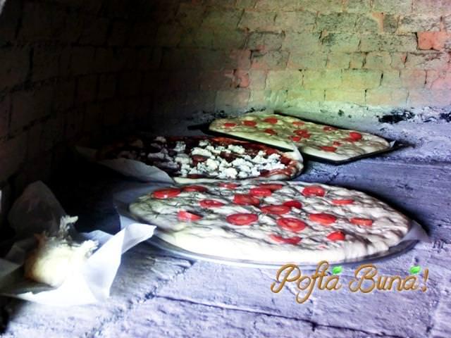 pofta buna gina bradea pizzaa cu ton si porumb 2 - Index retete culinare (categorii)
