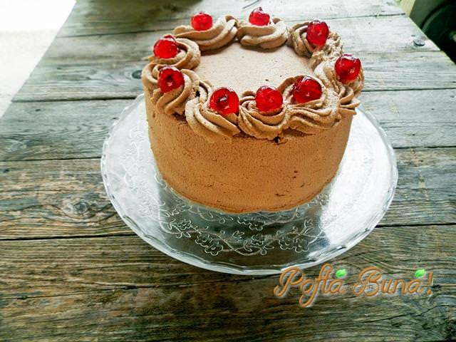 Tort cu ganache si mousse de iaurt