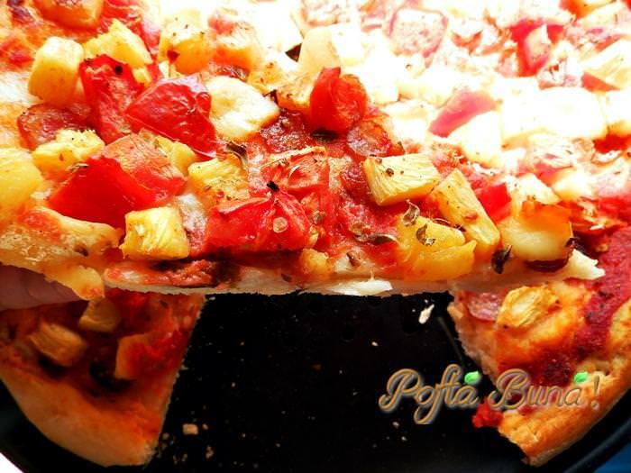 pizza cu ananas pofta buna gina  - Pizza cu ananas
