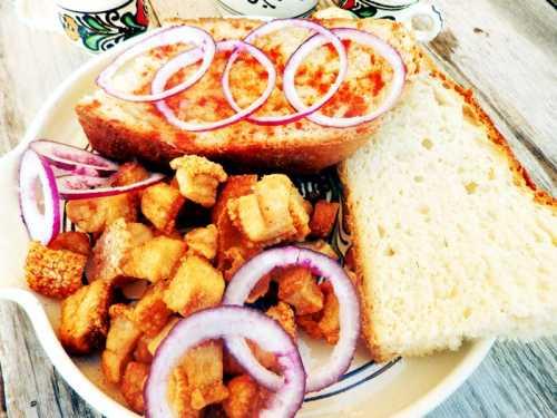 Cum se fac jumarile si untura de porc, reteta veche, moldoveneasca