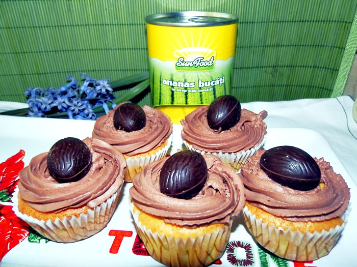 Cupcakes cuib cu ananas si mascarpone pofta buna cu gina bradea 1 - Cupcakes cuib cu ananas si crema de mascarpone