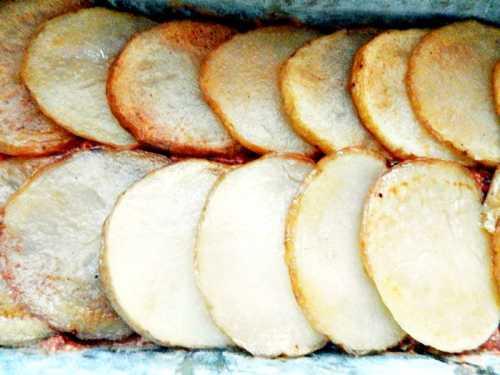 Musaca de vinete, cartofi sau dovlecei