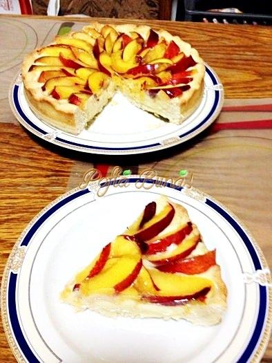 Tarta cu nectarine-Dinu Ana Maria