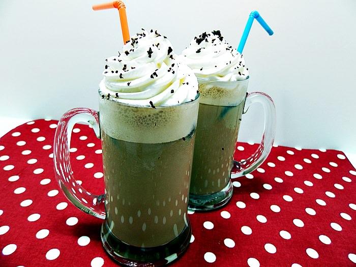 Caffe frappe pofta buna cu gina bradea 1 - Caffe frappe cu inghetata sau cuburi de cafea