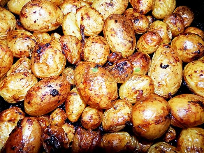 Cartofi noi cu usturoi la cuptor pofta buna cu gina bradea 2 - Index retete culinare (categorii)