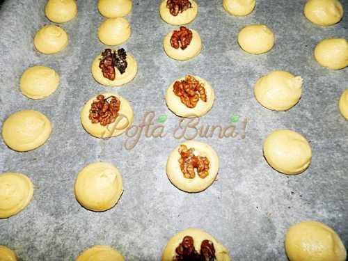 Paleuri cu nuca, fondant sau ciocolata