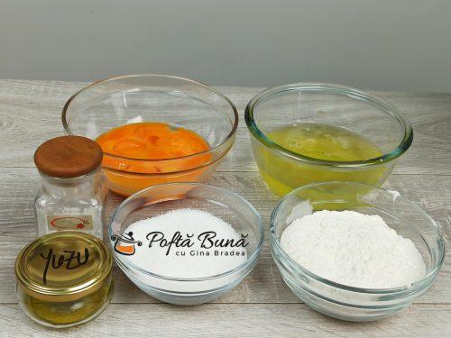 Pandispan simplu reteta clasica gina bradea 2 500x375 - Pandispan simplu sau cu cacao