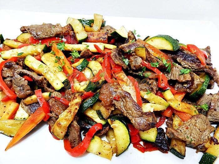 Sote de carne cu legume la tigaie pofta buna cu gina bradea 3 - Sote de carne cu legume la tigaie