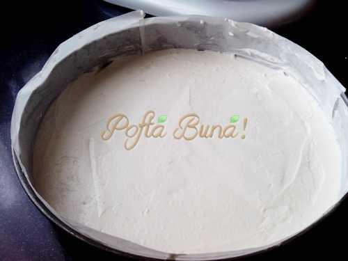 Tarta fara coacere, cu iaurt si ciocolata-Inocentiu L. Canea