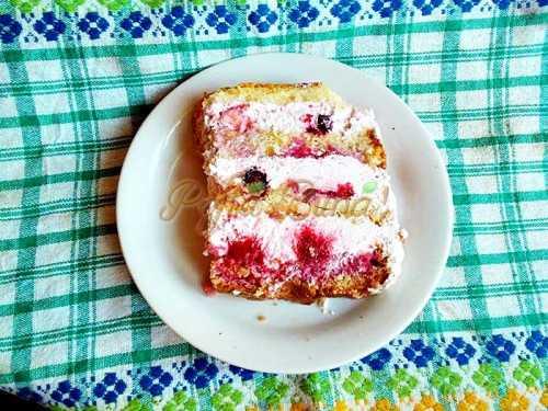 Tort cu crema de iaurt si fructe de padure-Vari Sanda