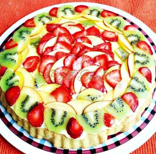Tarta ( pandispan ) cu crema de vanilie și fructe-Camelia Fechete