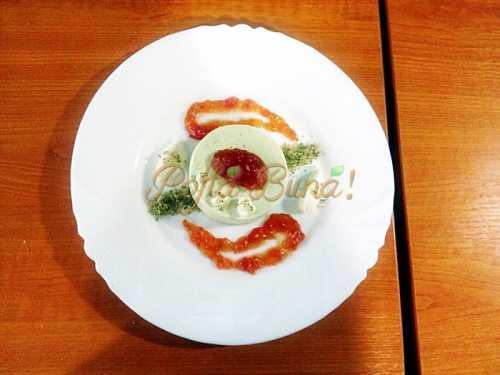 Panna cotta de busuioc cu dulceata de rosii, crema de mascarpone cu miere si zahar granulat cu busuioc-Sorina Ostrovschi