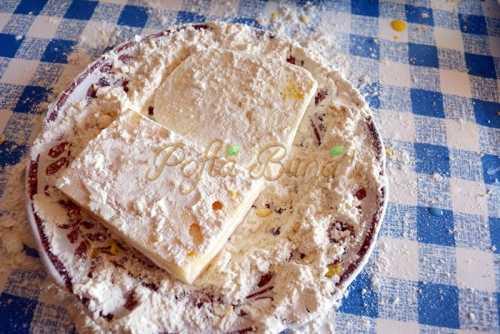 Cascaval, mozzarella si branza pane