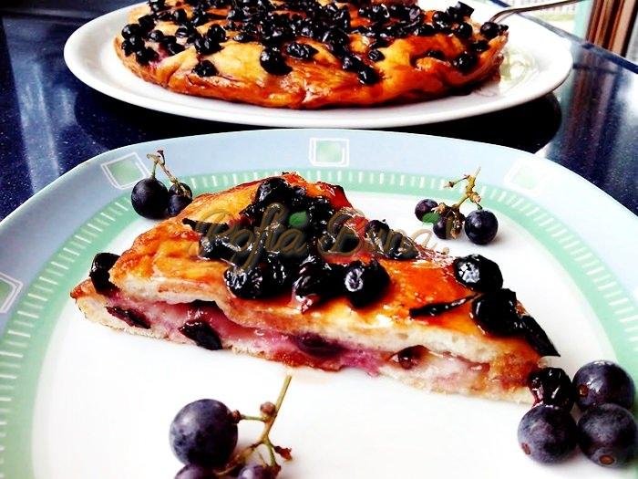 Placinta cu struguri scchiaciata con uva pofta buna cu gina bradea 1 - Index retete culinare (categorii)