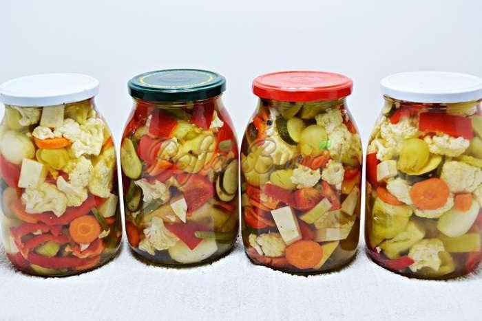 Muraturi fructe si legume asortate pofta buna cu gina bradea 1 - Muraturi  asortate in otet
