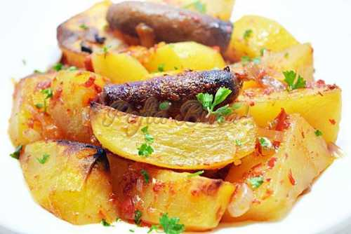 Iahnie de cartofi cu carnati