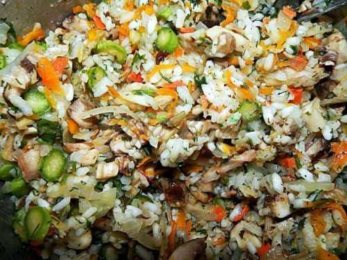Ardei umpluti de post cu orez si ciuperci pofta buna cu gina bradea 7 500x375 - Ardei umpluti cu orez si ciuperci