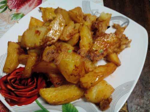 Ciornea Valentina - Cartofi cu suc de rosii la cuptor