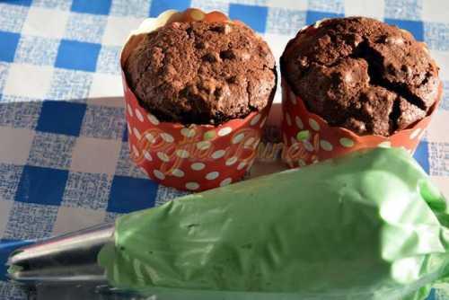 Cupcakes braduti fara fara faina pofta buna cu gina bradea 4 500x334 - Cupcakes braduti