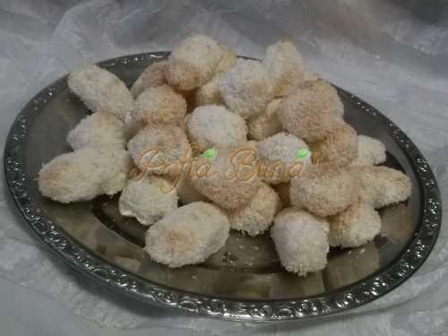 Elena Bite - Fursecuri cu nuca de cocos