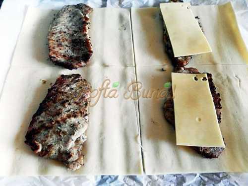 Pachetele din foietaj cu friptura