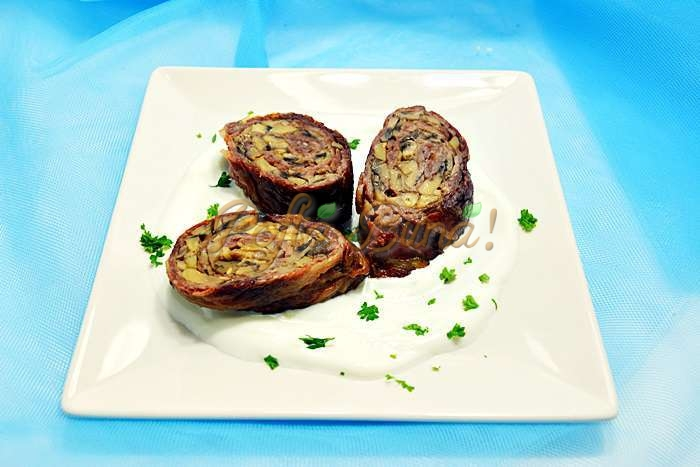 Rulouri de vitel cu ciuperci si sos alb pofta buna cu gina bradea 2 - Rulada de vitel cu ciuperci