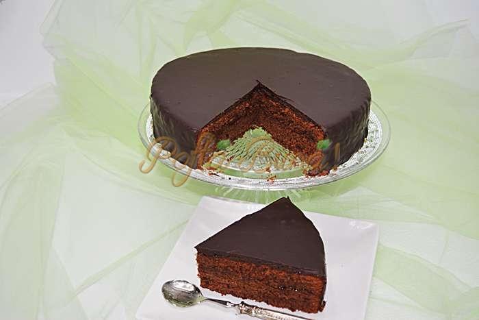 Tort-Sacher-pofta-buna-cu-gina-bradea (7)