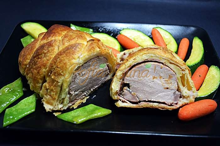 Muschiulet de porc in foietaj pofta buna cu gina bradea 9 - Muschiulet de porc in foietaj