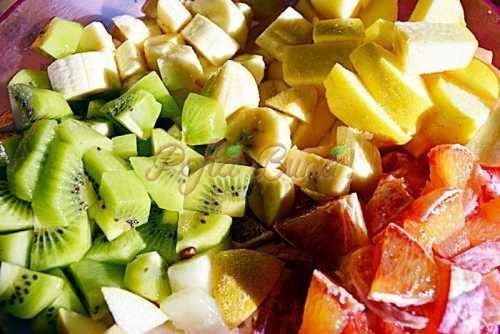Salata de fructe pofta buna cu gina bradea 1 500x334 - Salata de fructe