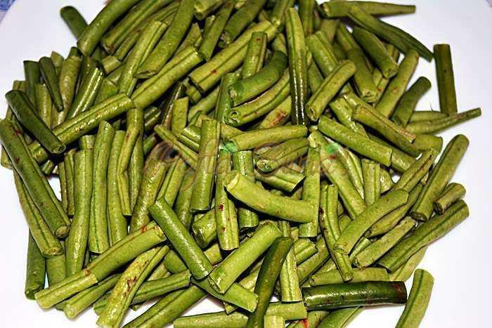 Salata-calda-de-pui-cu-fasole-verde-pofta-buna-cu-gina-bradea(2)