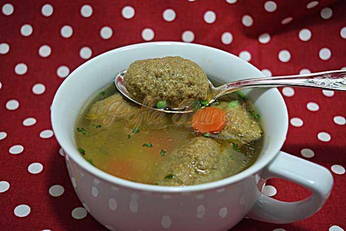 Supa-cu-galuste-de-ficat-pofta-buna-cu-gina-bradea (11)