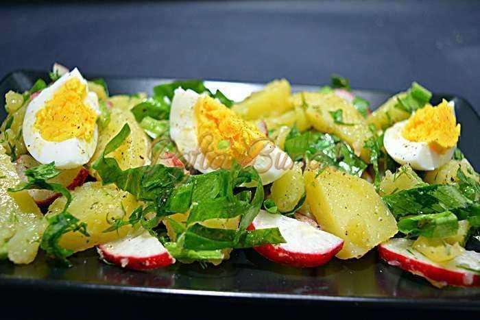 Salata de cartofi cu leurda si ridichi (reteta simpla)