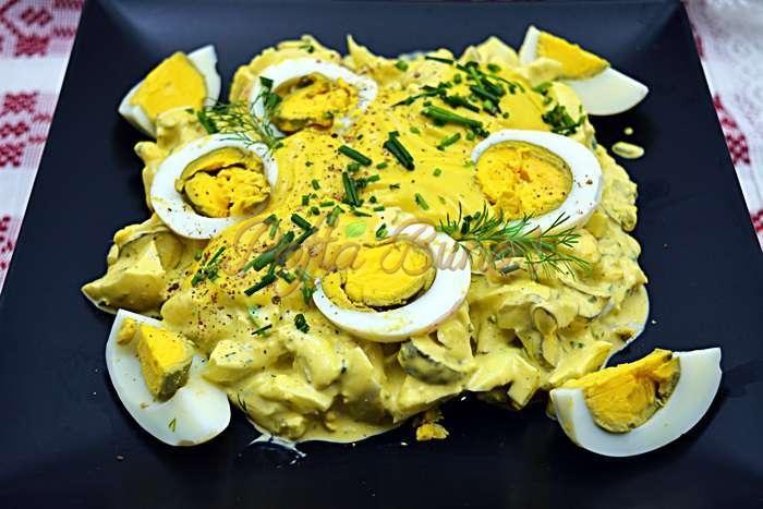 Salata de oua cu maioneza si castraveti murati pofta buna cu gina bradea 9 - Salata de oua cu maioneza, iaurt si castraveti murati