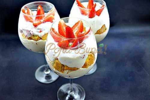 Tiramisu cu iaurt si capsune