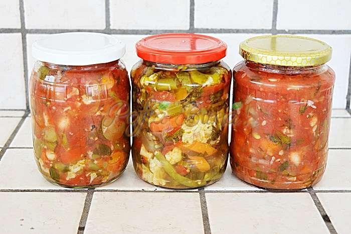 Ghiveci de legume pentru iarna inulei sau sus de rosii pofta buna cu gina bradea 11 - Ghiveci pentru iarna in ulei sau suc de rosii