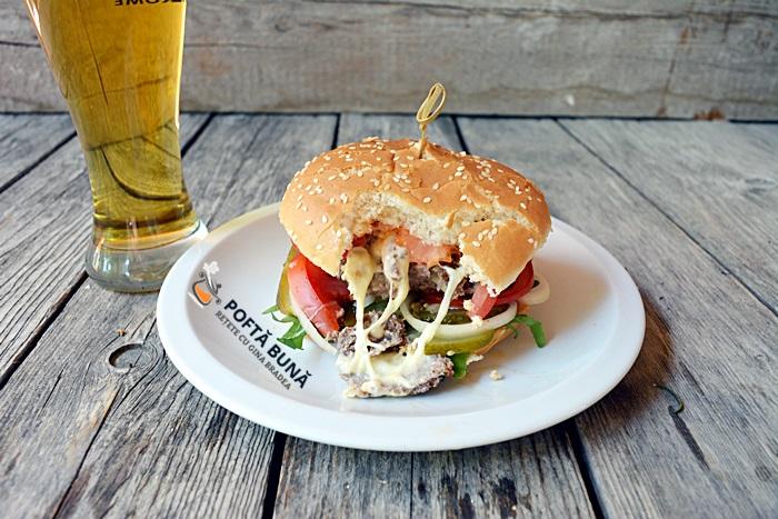 Hamburger, burger de casa, reteta simpla