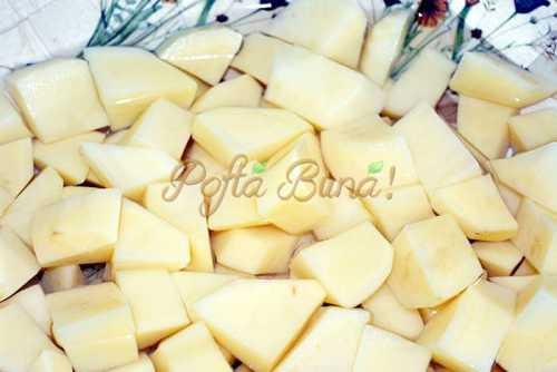 Reteta de ciorba ardeleneasca de cartofi cu afumatura si smantana pofta buna cu gina bradea 2 500x334 - Ciorba ardeleneasca de cartofi cu smantana si afumatura