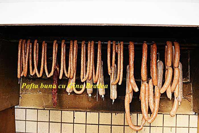 Carnati virsli reteta traditionala pofta buna cu gina bradea 2 700x467 - Carnati virsli (reteta traditionala)