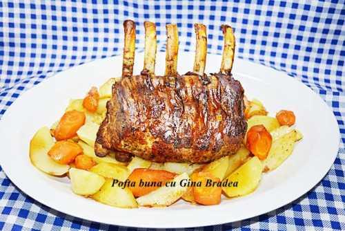 Cotlet de porc intreg la cuptor, in bacon, foarte fraged si aromat