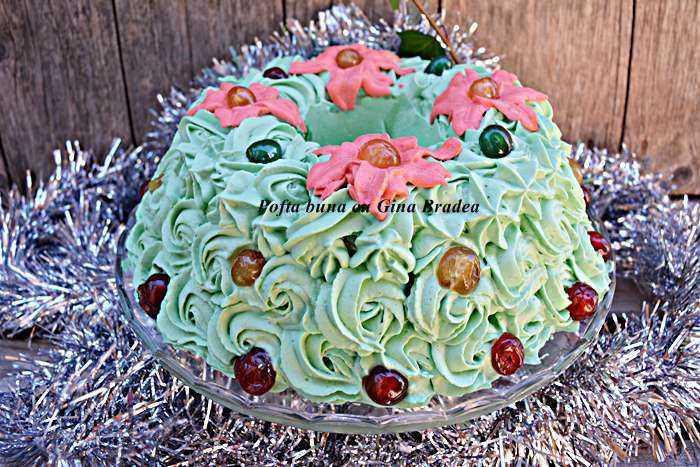 Tort coronita de craciun reteta pofta buna cu gina bradea 14 700x467 1 700x467 - Tort Coronita de Craciun