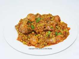 Mancare simpla de mazare cu carne de pasare, porc, vita, organe