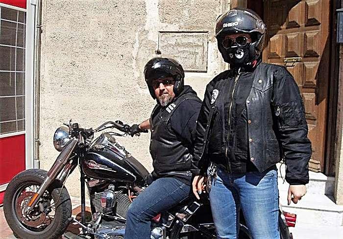 Carmen sau imbinarea intre pasiuni: gatit, arta si motociclete
