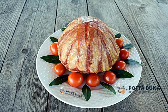 Conopida cu carne tocata picanta si bacon 1 - Conopida cu carne tocata si afumatura, la cuptor